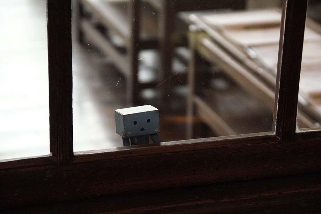 ダンボーと教室の窓