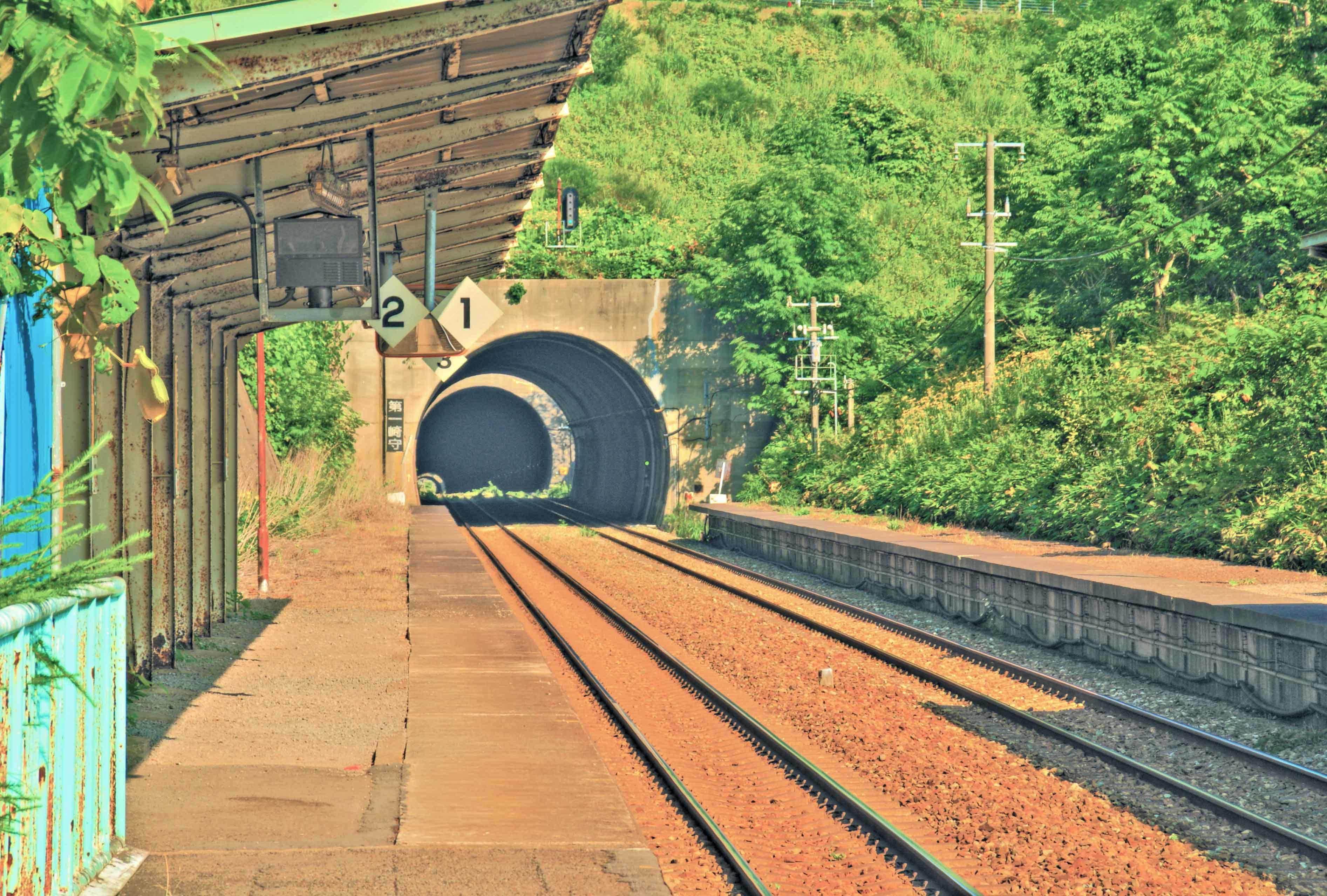 商用可イラスト風背景素材無人駅の風景その210種フリー