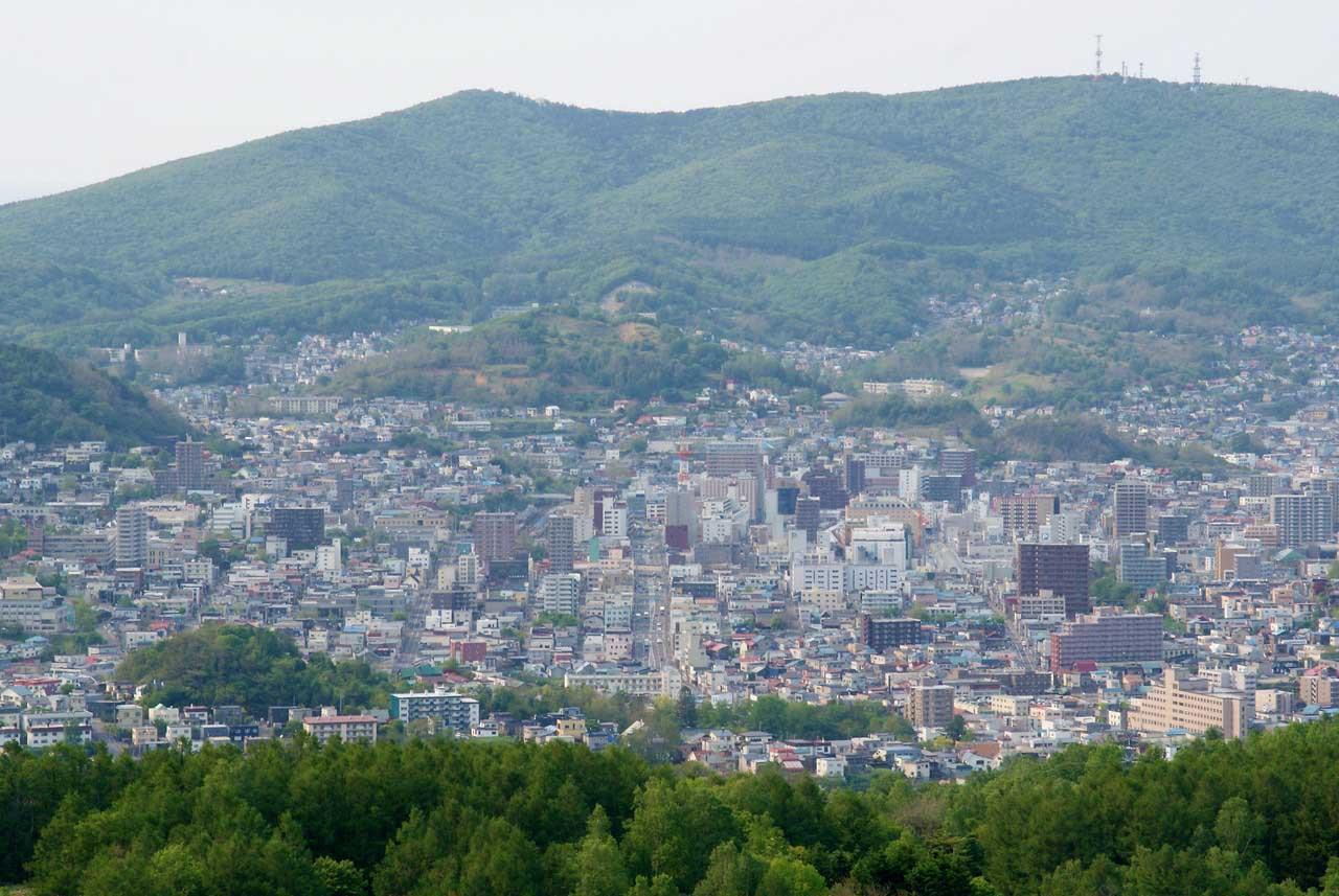 写真:小樽撮影スポットその1「ワインの丘」国道5号線~小樽駅