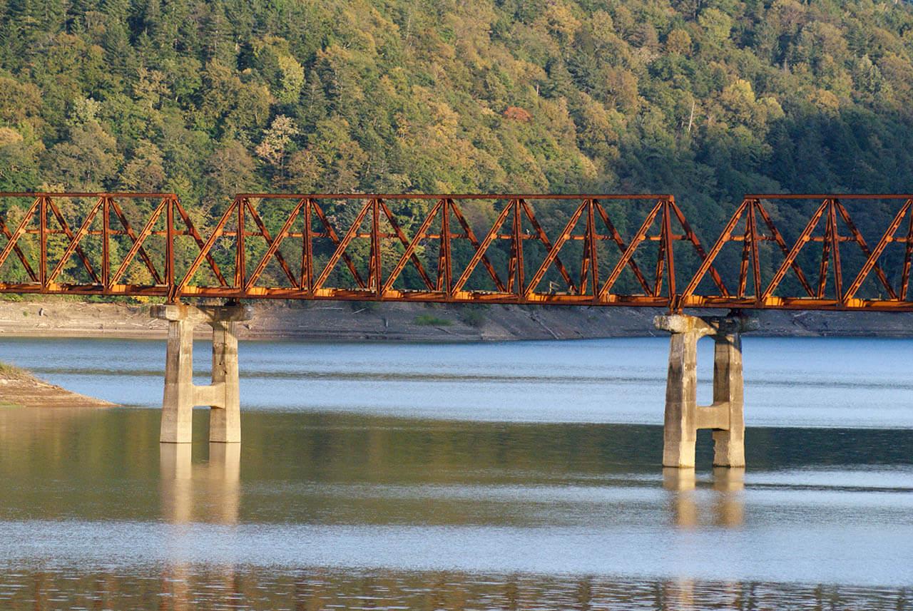 シューパロ湖三弦橋