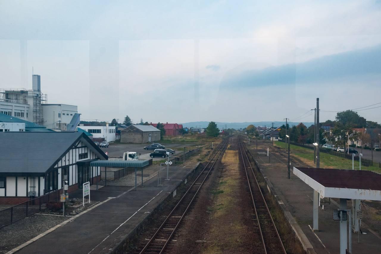 室蘭本線由仁駅
