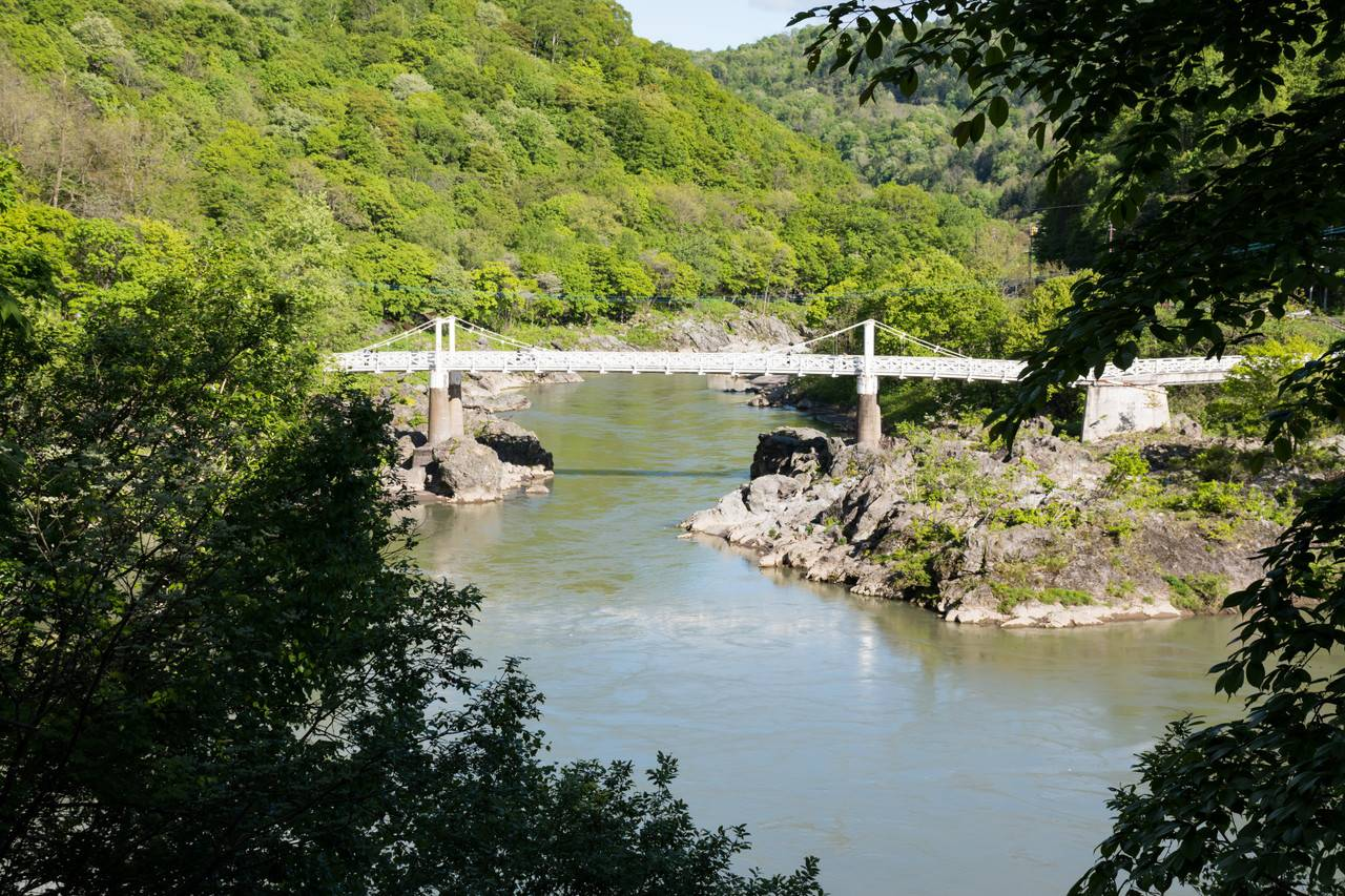 神居大橋と石狩川