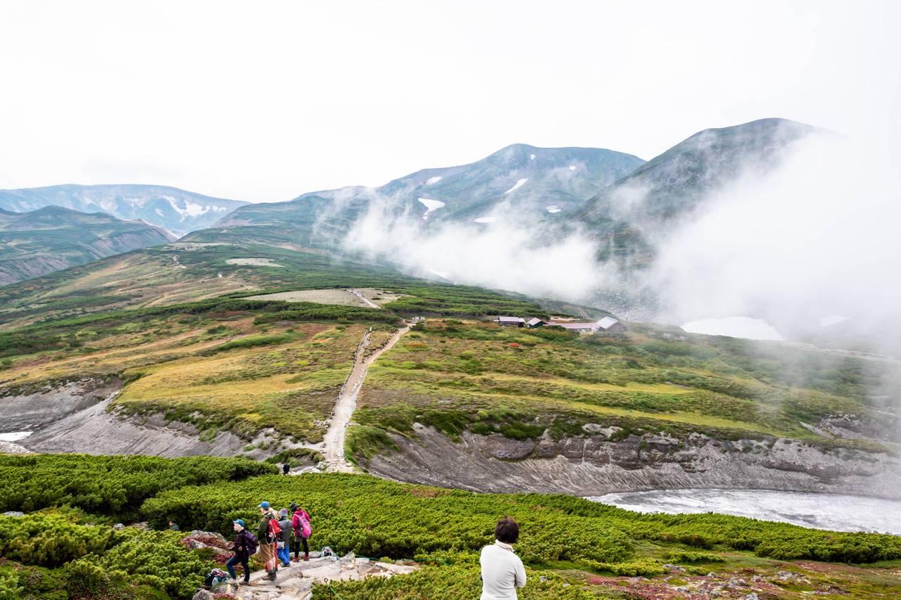黒岳山頂から石室へ