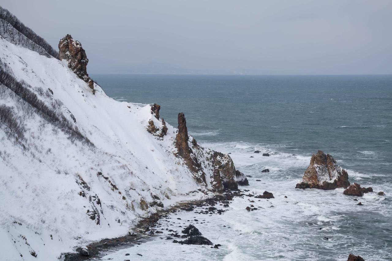 祝津パノラマ展望台の崖