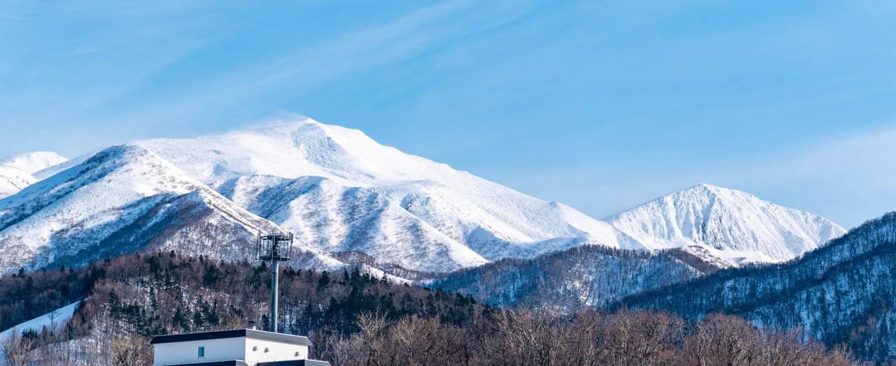 オロンコ岩駐車場から見る知床連山