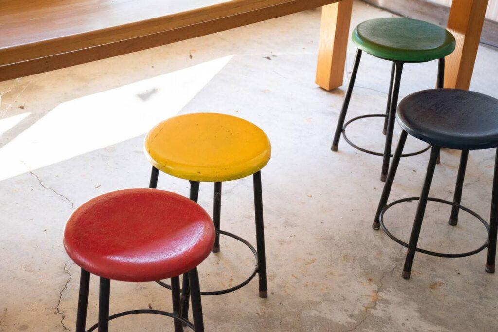 東滝川駅の椅子